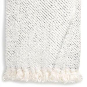 RACHEL PARCELL Plume Faux Fur Throw Blanket